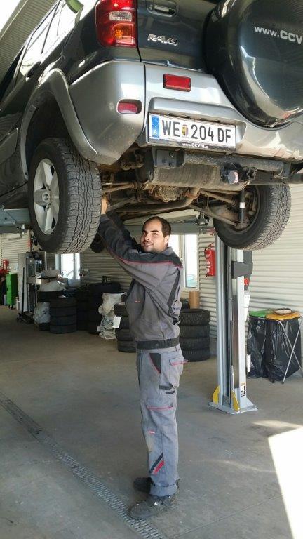 KFZ-Techniker Thomas Schnelzer